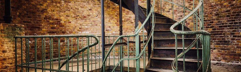 stairs-4124005_1920